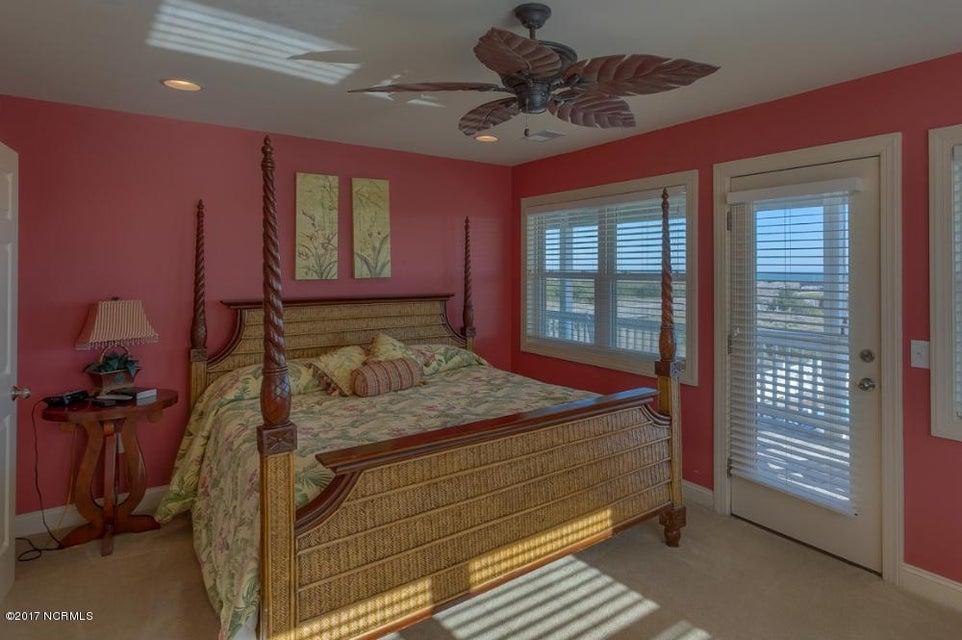 Holden Beach West Real Estate - http://cdn.resize.sparkplatform.com/ncr/1024x768/true/20170330182701857246000000-o.jpg