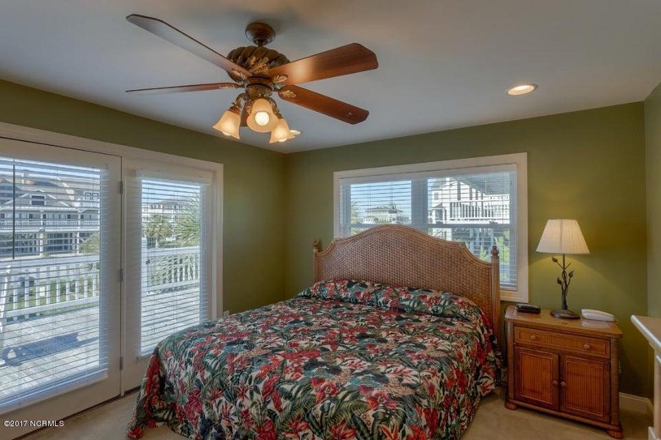 Holden Beach West Real Estate - http://cdn.resize.sparkplatform.com/ncr/1024x768/true/20170330182708946394000000-o.jpg
