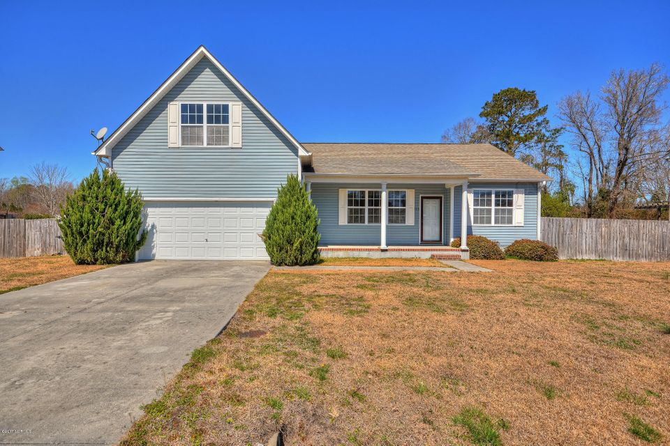 105 Briar Hollow Drive, Jacksonville, NC 28540