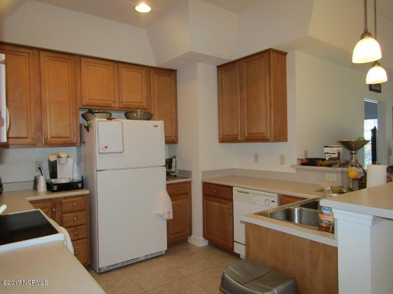 Colony II Real Estate - http://cdn.resize.sparkplatform.com/ncr/1024x768/true/20170403160050875385000000-o.jpg