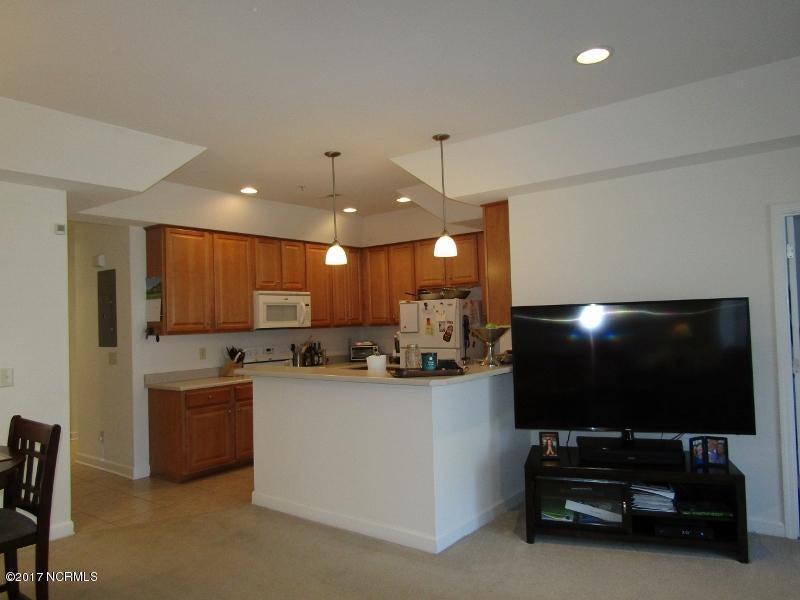 Colony II Real Estate - http://cdn.resize.sparkplatform.com/ncr/1024x768/true/20170403160140881202000000-o.jpg