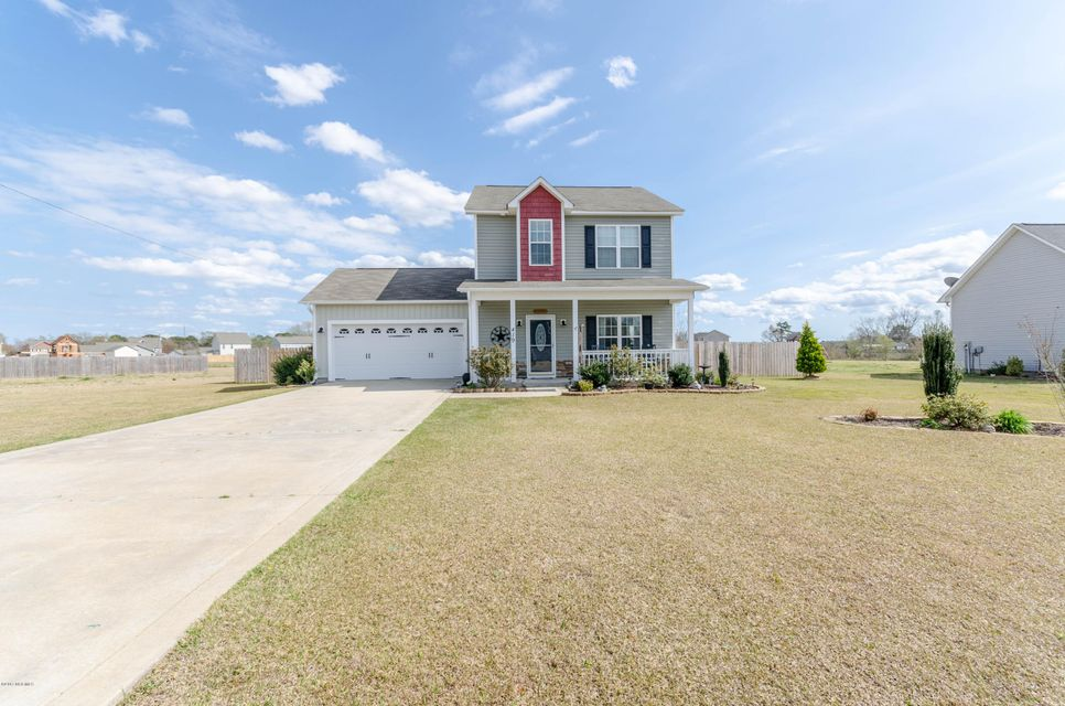 419 Fawn Meadow Drive, Richlands, NC 28574