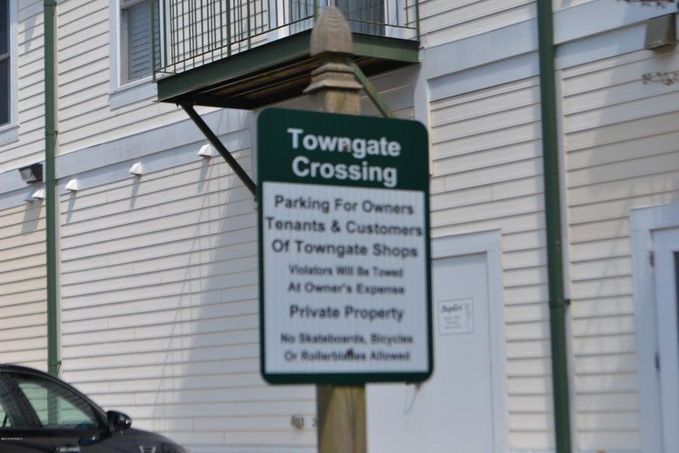 Towngate Crossing Real Estate - http://cdn.resize.sparkplatform.com/ncr/1024x768/true/20170404134358750915000000-o.jpg