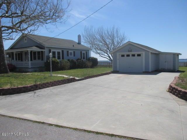 141 Sunny Point Lane, Newport, NC 28570