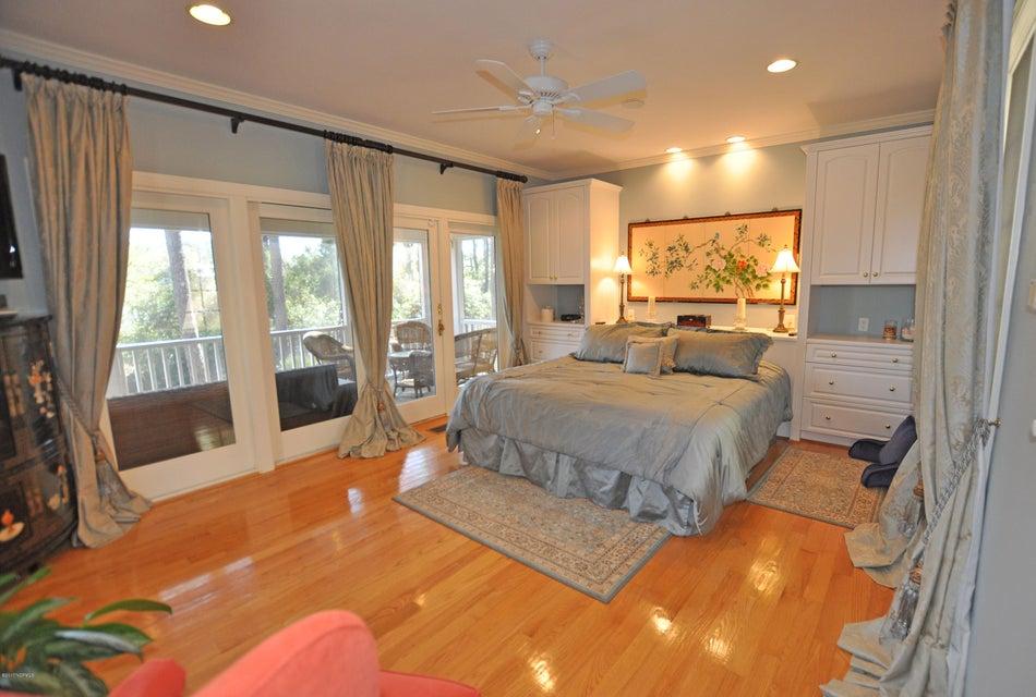 St James Real Estate - http://cdn.resize.sparkplatform.com/ncr/1024x768/true/20170407181821322229000000-o.jpg