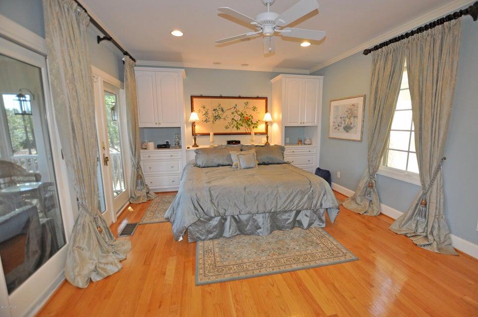 St James Real Estate - http://cdn.resize.sparkplatform.com/ncr/1024x768/true/20170407181840305777000000-o.jpg