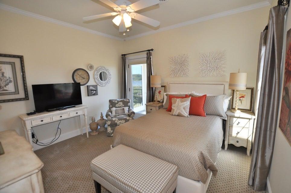 St James Real Estate - http://cdn.resize.sparkplatform.com/ncr/1024x768/true/20170407184627491230000000-o.jpg