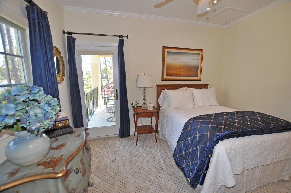 St James Real Estate - http://cdn.resize.sparkplatform.com/ncr/1024x768/true/20170407184637349023000000-o.jpg