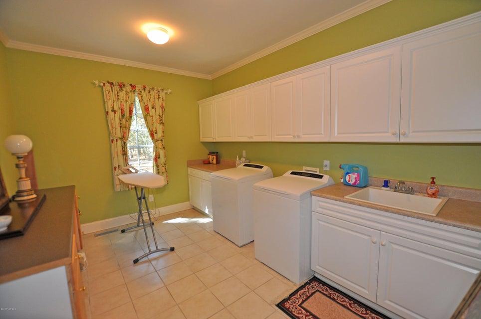 St James Real Estate - http://cdn.resize.sparkplatform.com/ncr/1024x768/true/20170407184706640132000000-o.jpg