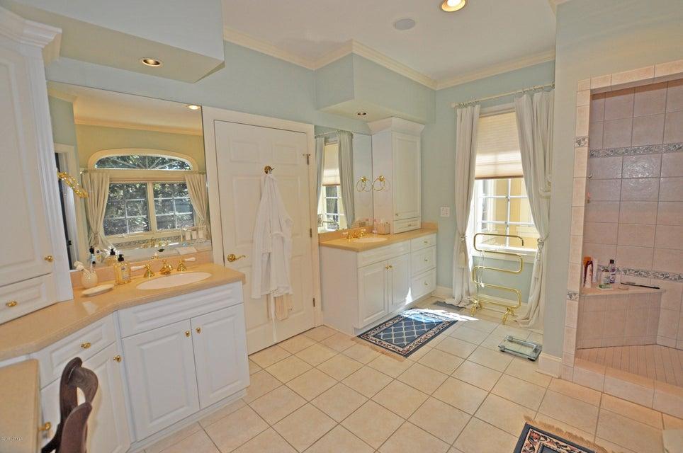 St James Real Estate - http://cdn.resize.sparkplatform.com/ncr/1024x768/true/20170407184737662277000000-o.jpg