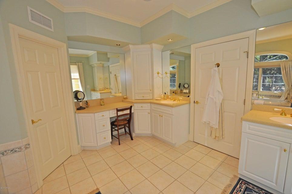 St James Real Estate - http://cdn.resize.sparkplatform.com/ncr/1024x768/true/20170407184741082878000000-o.jpg