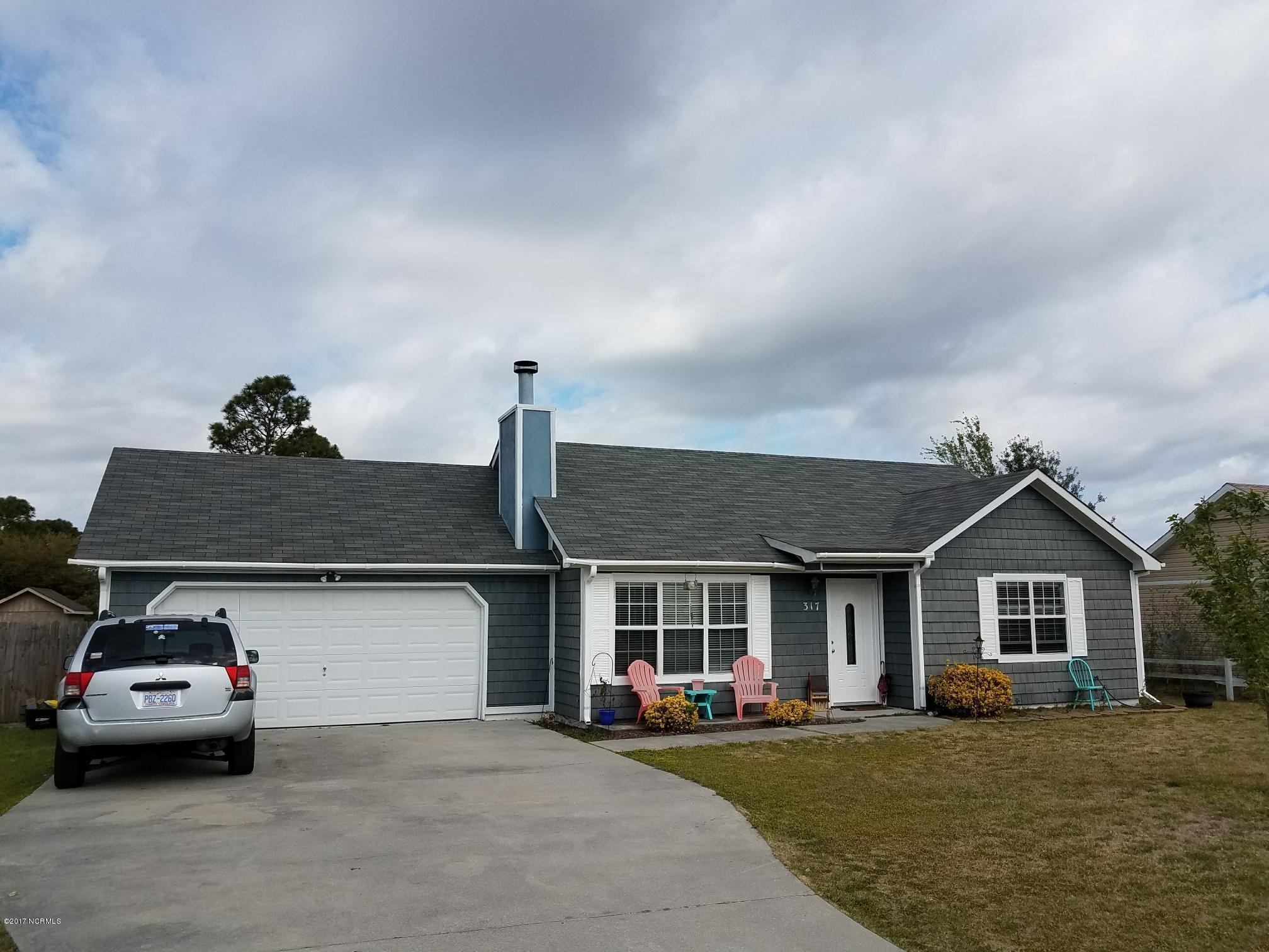 317 Foxtrace Lane, Hubert, NC 28539