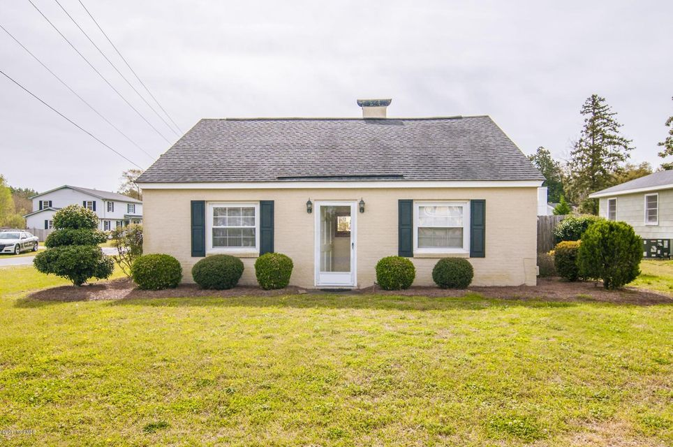 302 North Shores Road,Washington,North Carolina,3 Bedrooms Bedrooms,7 Rooms Rooms,2 BathroomsBathrooms,Single family residence,North Shores,100057036