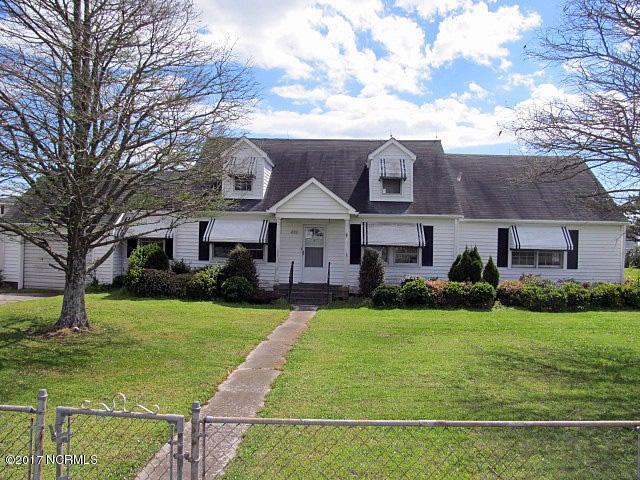 892 Island Road, Harkers Island, NC 28531