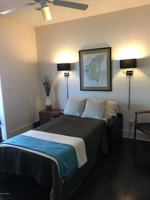 Cades Cove Real Estate - http://cdn.resize.sparkplatform.com/ncr/1024x768/true/20170411144712393449000000-o.jpg