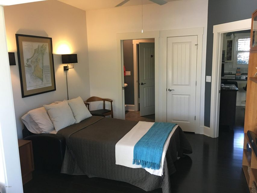 Cades Cove Real Estate - http://cdn.resize.sparkplatform.com/ncr/1024x768/true/20170411144737760321000000-o.jpg
