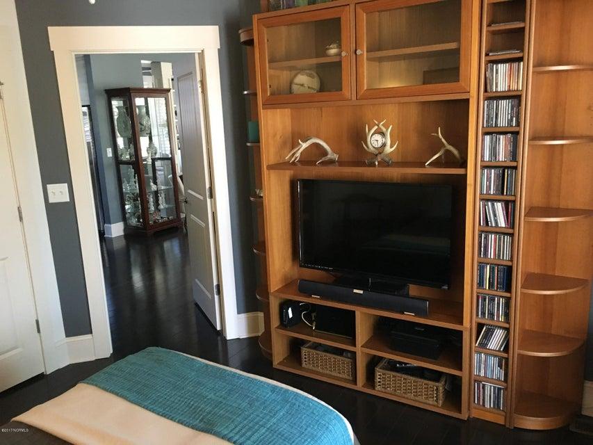 Cades Cove Real Estate - http://cdn.resize.sparkplatform.com/ncr/1024x768/true/20170411144825819197000000-o.jpg