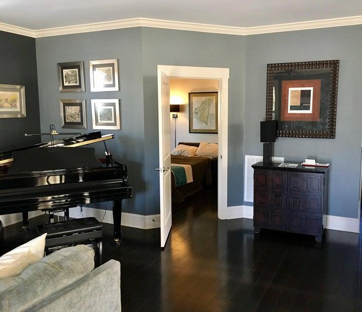 Cades Cove Real Estate - http://cdn.resize.sparkplatform.com/ncr/1024x768/true/20170411144951849924000000-o.jpg