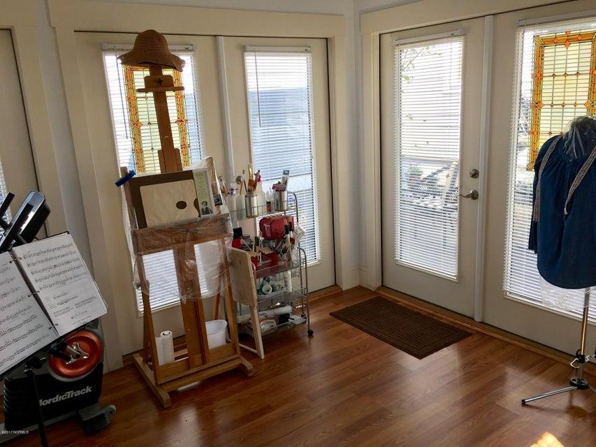 Cades Cove Real Estate - http://cdn.resize.sparkplatform.com/ncr/1024x768/true/20170411145012621273000000-o.jpg