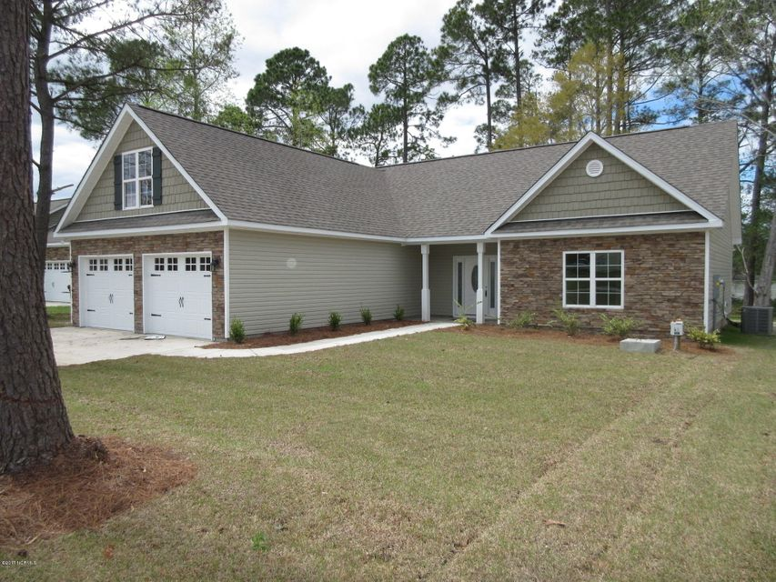 305 Chadwick Shores Drive, Sneads Ferry, NC 28460