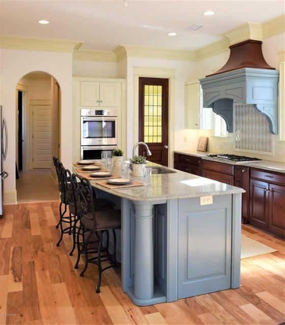 St James Real Estate - http://cdn.resize.sparkplatform.com/ncr/1024x768/true/20170411171914321029000000-o.jpg
