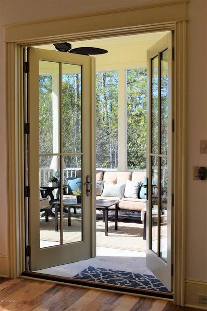 St James Real Estate - http://cdn.resize.sparkplatform.com/ncr/1024x768/true/20170411172322921574000000-o.jpg