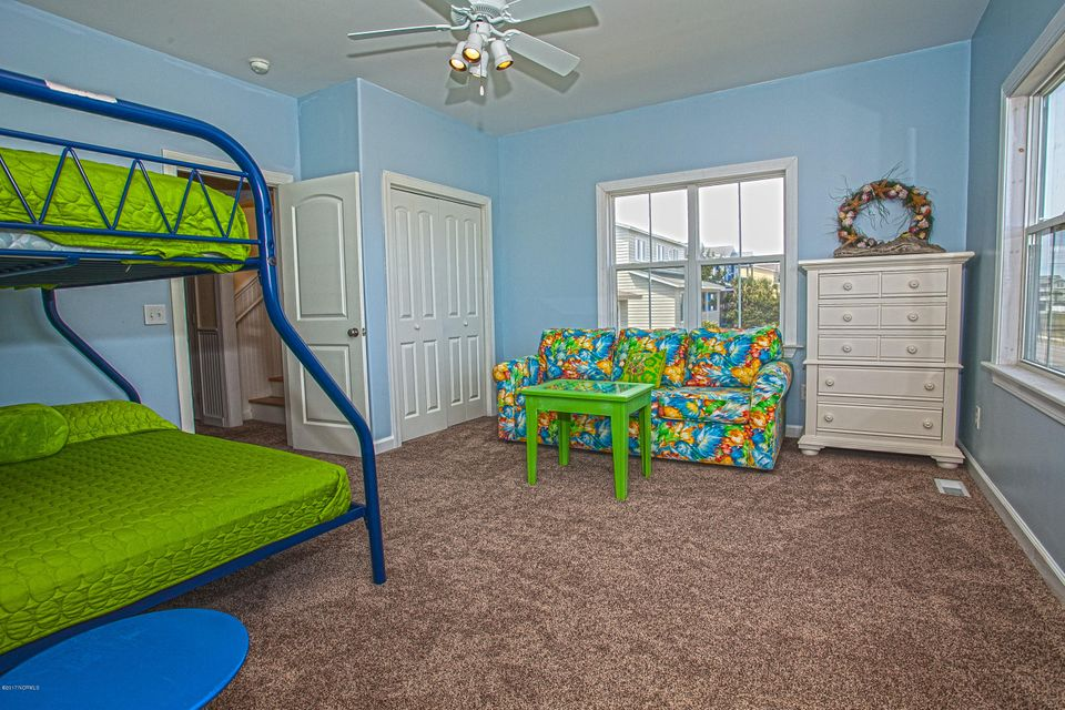 Robinson Beach Real Estate - http://cdn.resize.sparkplatform.com/ncr/1024x768/true/20170411203721134058000000-o.jpg