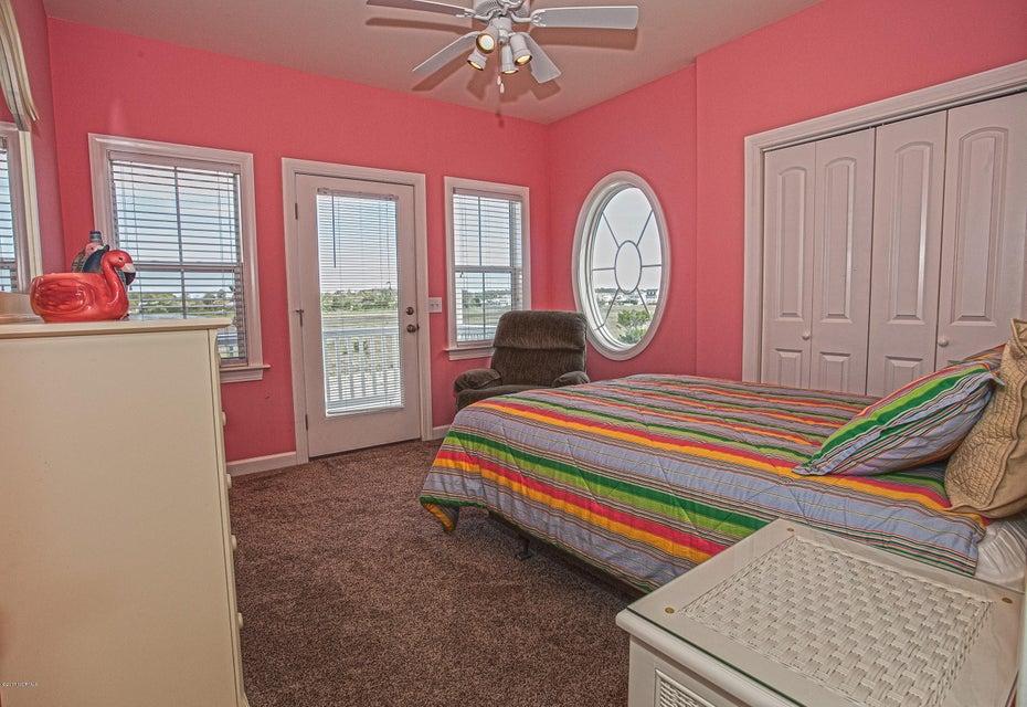 Robinson Beach Real Estate - http://cdn.resize.sparkplatform.com/ncr/1024x768/true/20170411203733636031000000-o.jpg