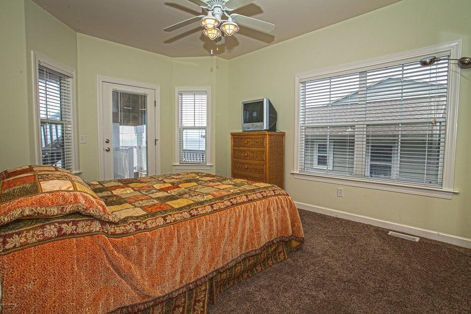 Robinson Beach Real Estate - http://cdn.resize.sparkplatform.com/ncr/1024x768/true/20170411203803470615000000-o.jpg