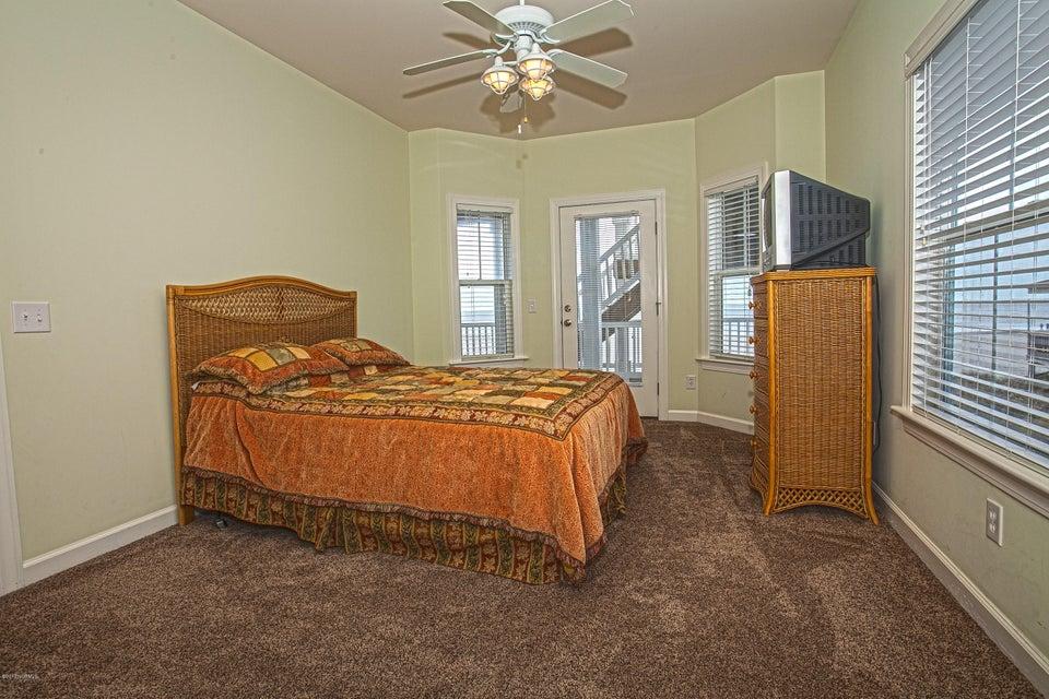Robinson Beach Real Estate - http://cdn.resize.sparkplatform.com/ncr/1024x768/true/20170411203811765172000000-o.jpg