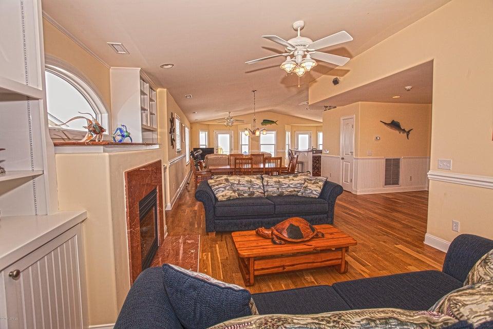 Robinson Beach Real Estate - http://cdn.resize.sparkplatform.com/ncr/1024x768/true/20170411203833394371000000-o.jpg