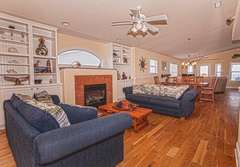 Robinson Beach Real Estate - http://cdn.resize.sparkplatform.com/ncr/1024x768/true/20170411203837479303000000-o.jpg