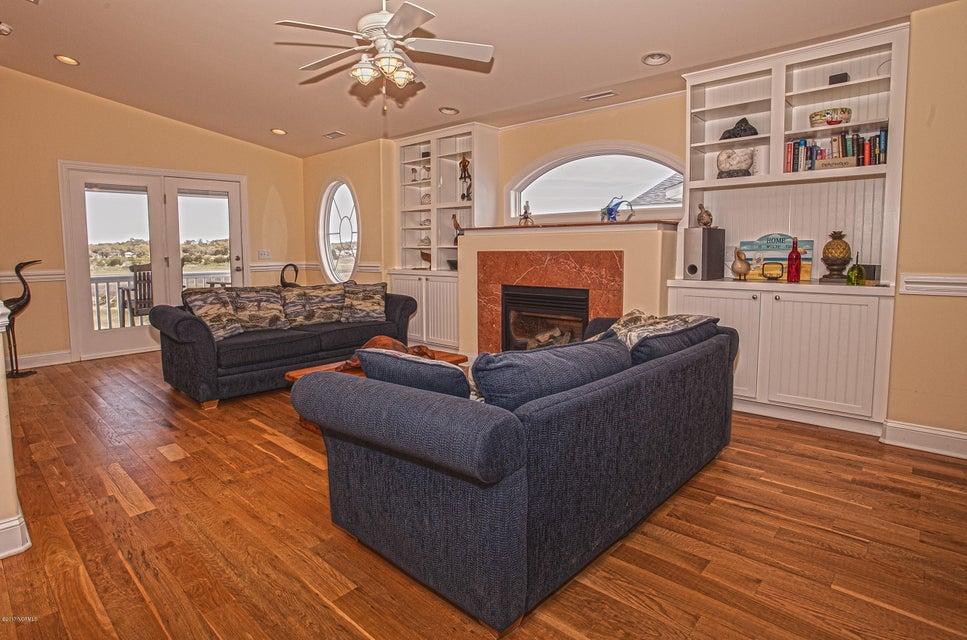 Robinson Beach Real Estate - http://cdn.resize.sparkplatform.com/ncr/1024x768/true/20170411203840611151000000-o.jpg