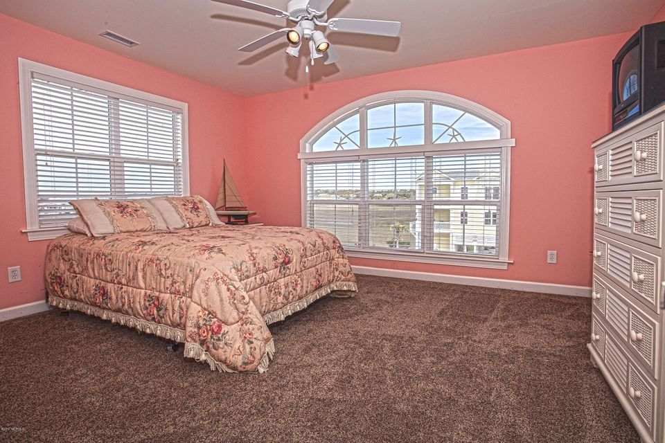 Robinson Beach Real Estate - http://cdn.resize.sparkplatform.com/ncr/1024x768/true/20170411203928885975000000-o.jpg