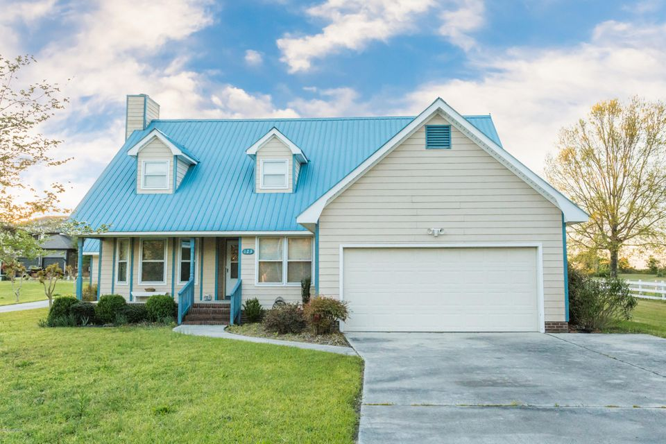 123 Gemstone Drive, Sneads Ferry, NC 28460