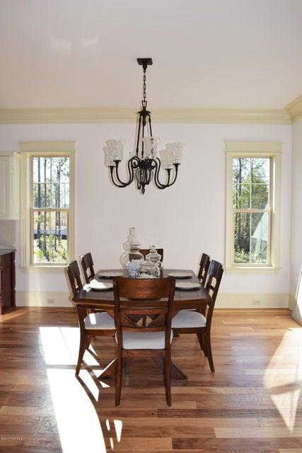 St James Real Estate - http://cdn.resize.sparkplatform.com/ncr/1024x768/true/20170413164202107324000000-o.jpg
