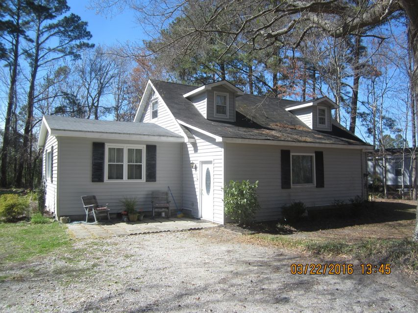 1427 Old Winberry Road, Newport, NC 28570