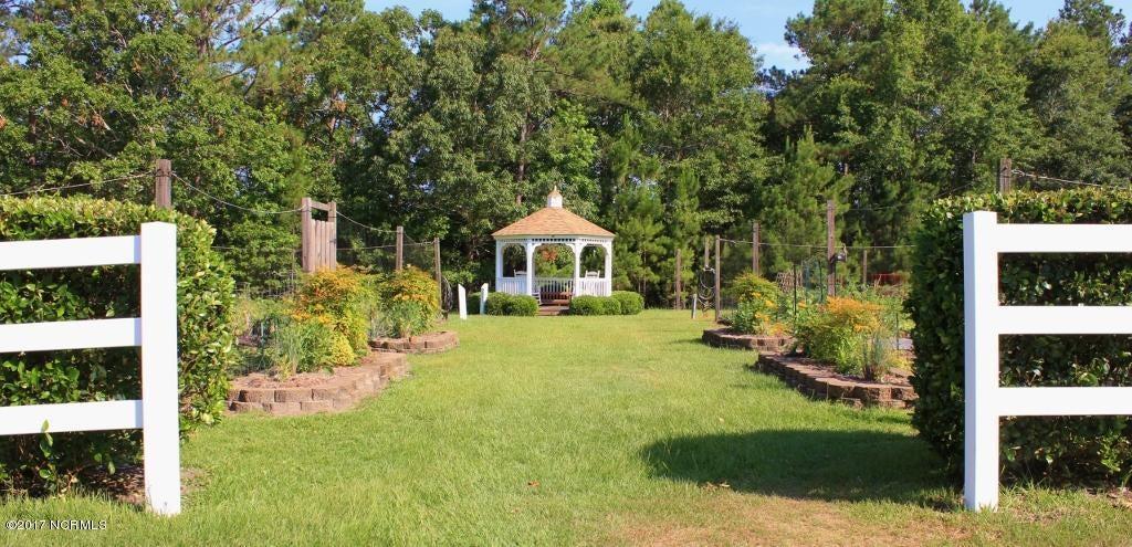 Winding River Plantation Real Estate - http://cdn.resize.sparkplatform.com/ncr/1024x768/true/20170419014742164718000000-o.jpg