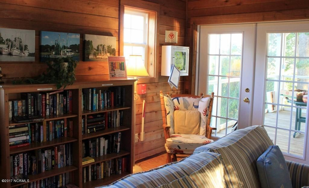 Winding River Plantation Real Estate - http://cdn.resize.sparkplatform.com/ncr/1024x768/true/20170419014752818711000000-o.jpg