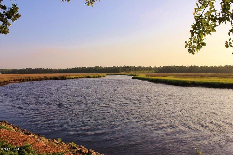 Winding River Plantation Real Estate - http://cdn.resize.sparkplatform.com/ncr/1024x768/true/20170419014757712533000000-o.jpg