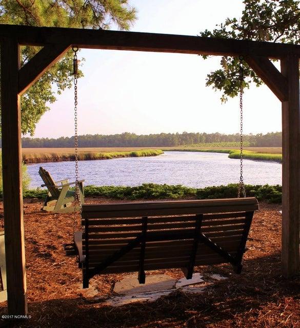 Winding River Plantation Real Estate - http://cdn.resize.sparkplatform.com/ncr/1024x768/true/20170419014759051179000000-o.jpg