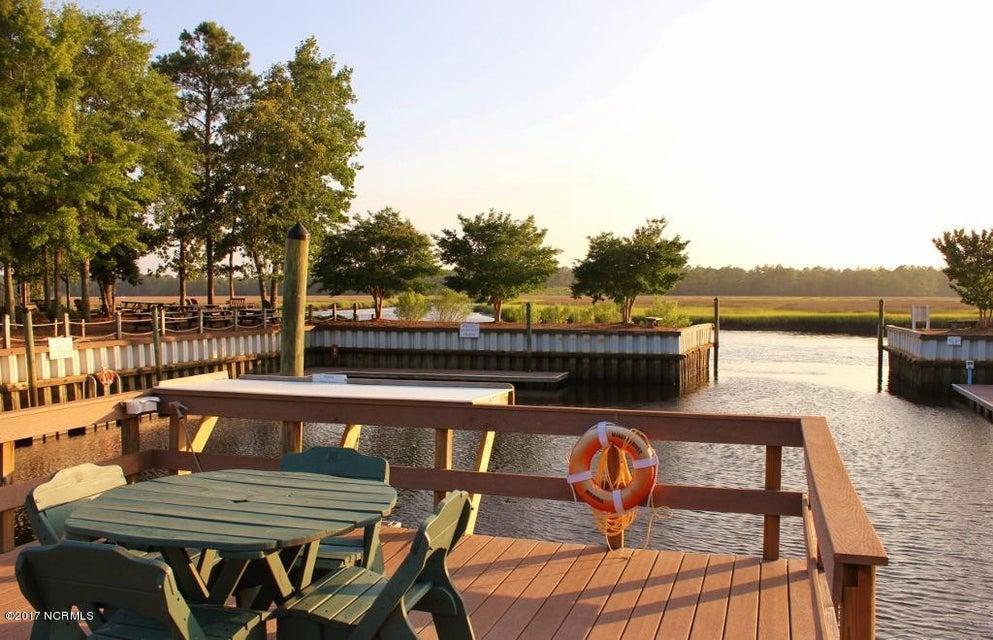 Winding River Plantation Real Estate - http://cdn.resize.sparkplatform.com/ncr/1024x768/true/20170419014806656184000000-o.jpg