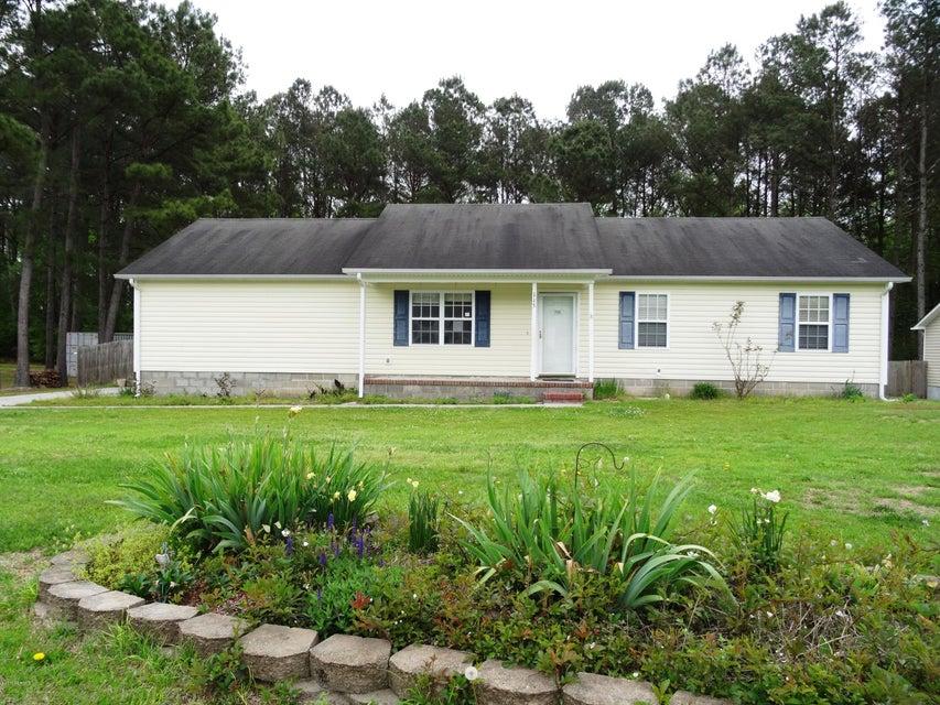 115 Meadow Farms Road, Richlands, NC 28574