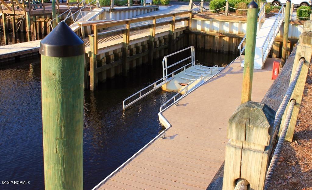 Winding River Plantation Real Estate - http://cdn.resize.sparkplatform.com/ncr/1024x768/true/20170419180830006579000000-o.jpg