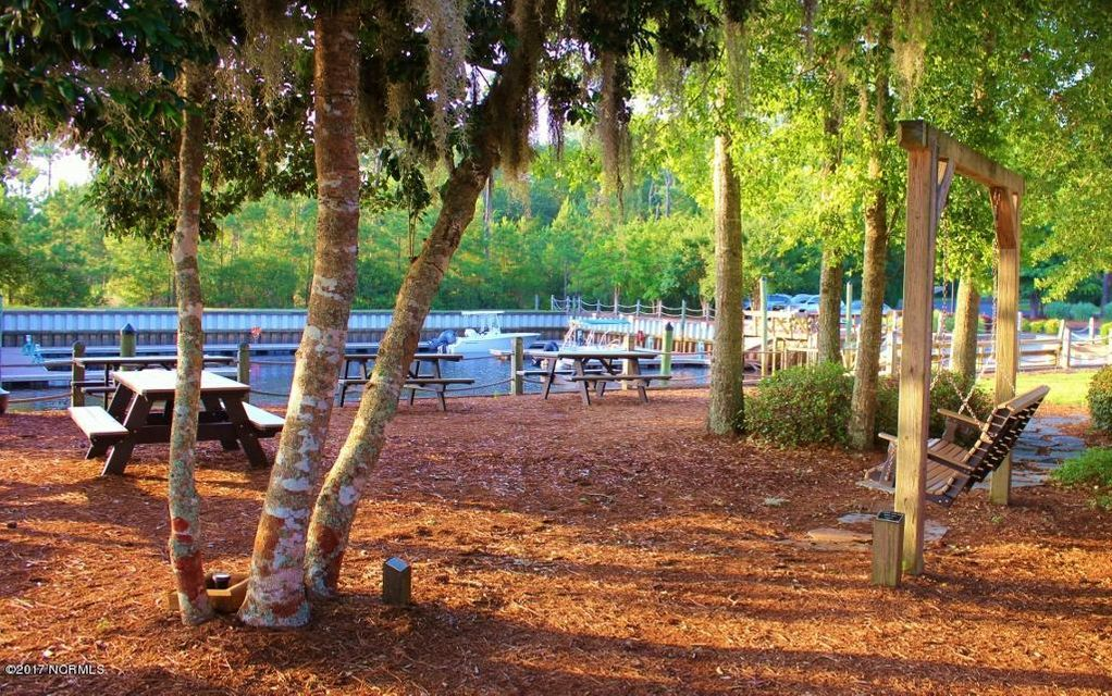 Winding River Plantation Real Estate - http://cdn.resize.sparkplatform.com/ncr/1024x768/true/20170419180840367943000000-o.jpg
