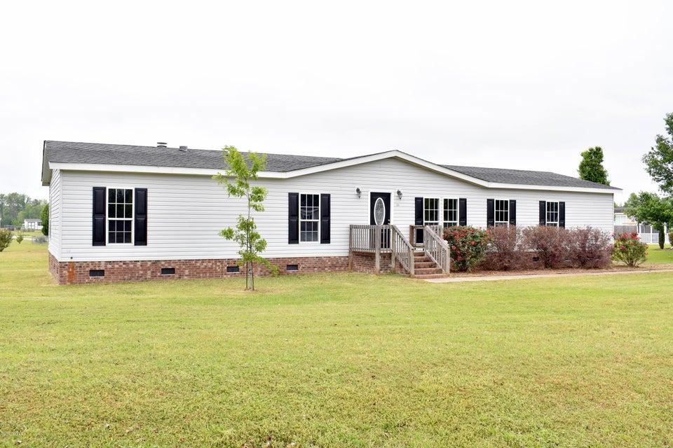 305 Chickory Court, Stella, NC 28582