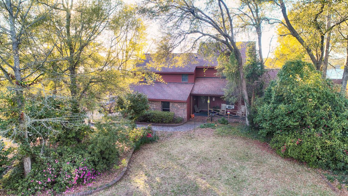 803 Chadwick Shores Drive, Sneads Ferry, NC 28460