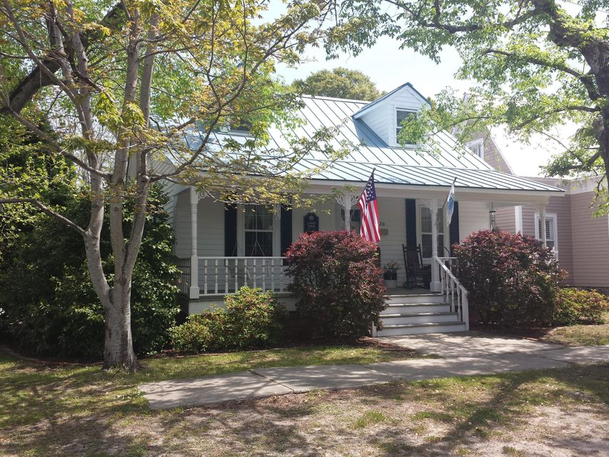 320 N Atlantic Avenue Southport, NC 28461