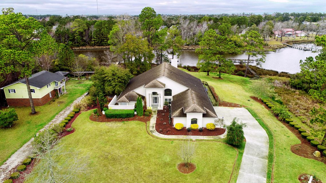 349 Chadwick Shores Drive, Sneads Ferry, NC 28460