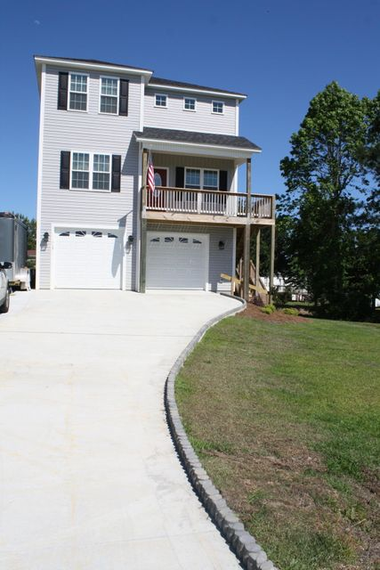 113 Bumps Creek Road, Sneads Ferry, NC 28460
